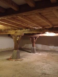 reconstrucción de cimientos de caserio
